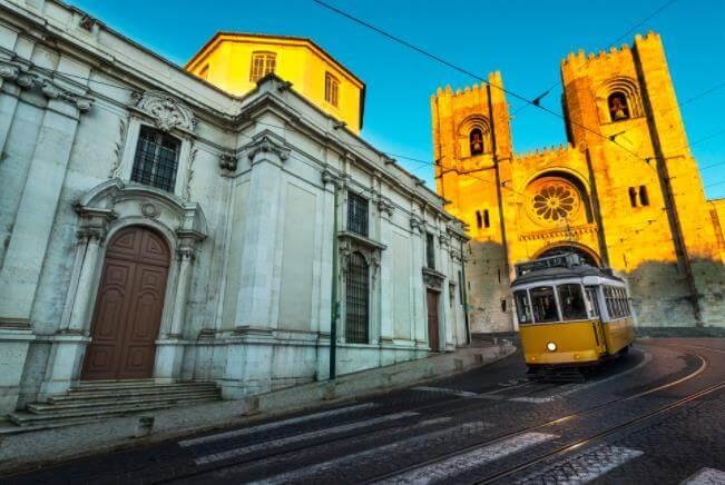 葡萄牙留学值得去吗,申请葡萄牙留学需要哪些条件?